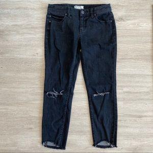 Free People Jeans - Free People Fray Knee Hole Raw Hem Crop Jeans 28